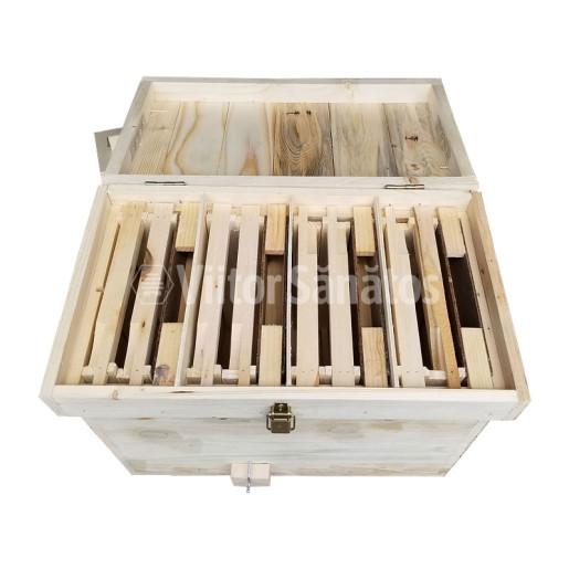 Nucleu de imperechere din lemn, cu 4 cuiburi - interior